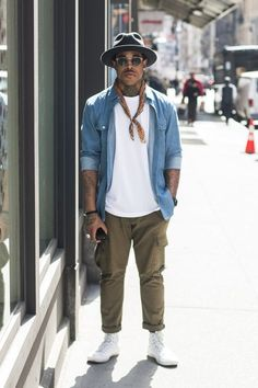 77 mens street style summer outfit ideas - Men's style, accessories, mens fashion trends 2020 Urban Street Style, Men With Street Style, Street Style Summer, Urban Street Wear, Nyc Mens Fashion, Men's Fashion, Fashion Styles, Fashion Tips, Street Style Fashion