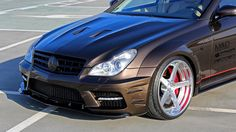 Prior Design has created a wide aerodynamic body kit for the first generation Mercedes-Benz CLS (W219).