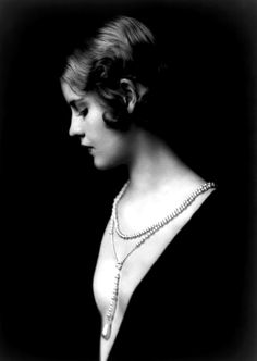 ↢ Bygone Beauties ↣ vintage photograph by Alfred Cheney Johnston c1931