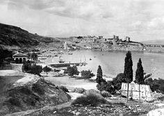 Το λιμάνι του Φαλήρου, 1916 Old Pictures, Old Photos, Vintage Photos, Greece History, Athens Greece, Old City, Crete, Paris Skyline, The Past