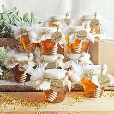 Country Style Honey Jars with Ivory Jute Charity Wedding Favors, Crochet Wedding Favours, Unusual Wedding Favours, Nautical Wedding Favors, Coffee Wedding Favors, Wedding Favours Luxury, Edible Wedding Favors, Wedding Favors Cheap, Tea Favors