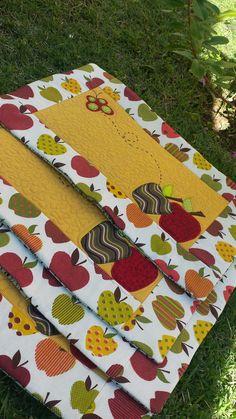 Kit americano em quilting, patchwork e aplicações. Produtos 100% algodão. Tecidos tricoline, estampa Eva&Eva. Jogo de 4,6 ou 8 lugares.