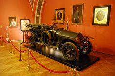 Heeresgeschichtliches Museum – The car that started the   First World War  Archduke Franz Ferdinand was shot in this car by Gavrilo Princip. The car is a Gräf & Stift with a double phaeton body. It is powered by a 4 cylinder engine with 32 HP. The car belonged to Franz Graf Harrach.