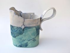 Whale pitcher/vase - Linda Fahey love the spout on this one! Slab Pottery, Pottery Mugs, Ceramic Pottery, Pottery Art, Pottery Ideas, Ceramic Pitcher, Ceramic Pots, Ceramic Clay, Keramik Design