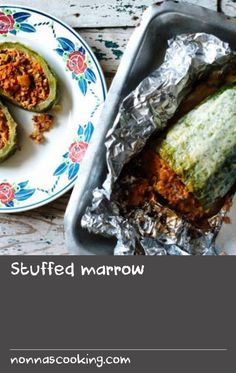 Marrow stuffed with a beef mince based sauce and topped with golden, bubbling cheese. A good recipe if you have a glut of marrows. Minced Beef Recipes, Mince Recipes, Savoury Recipes, Ground Beef Recipes, Cheese Recipes, Stuffed Marrow, Good Food, Yummy Food, Best Cheese