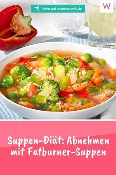 Wir lieben warme Suppen, wenn es draußen kalt ist. Setze schnell einen großen Topf auf und würze gerne etwas schärfer - damit wird deine Suppe zu einem effektiven Fatburner! Mit unserer Suppen-Diät purzeln die Pfunde. #suppen #rezepte #abnehmen Tricks, Thai Red Curry, Ethnic Recipes, Food, Metabolic Diet, Food Planner, Vegetarian, Cold, Healthy Food