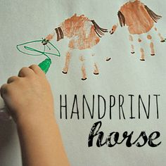 Handprint Horse | Houston Moms Blog {Perfect for farm, rodeo, or Texas theme crafts!}