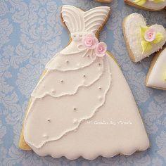 Pink Cookies, Iced Cookies, Cute Cookies, Royal Icing Cookies, Sugar Cookies, Wedding Dress Cookies, Cookie Designs, Cookie Ideas, Anniversary Cookies