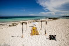 Wedding photo_Tulum Caleta Tankah Beach ウエディング フォト_トゥルム カレタ タンカー ビーチ AkiDemi Photography www.akidemi.com