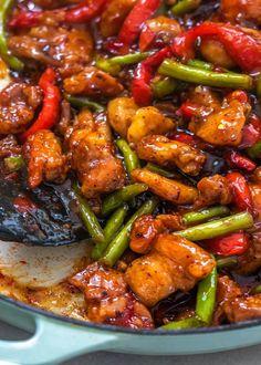 Soooo Good Garlicky Sweet Thai Chili Chicken and Green Bean Stir Fry Sweet Chili Chicken, Chicken Green Beans, Stir Fry Recipes, Cooking Recipes, Best Stir Fry Recipe, Asian Recipes, Healthy Recipes, Thai Recipes, Asian Cooking