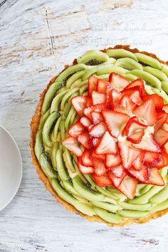 50+ Best Kiwi Recipes - Kiwi and Strawberry Fruit Tart