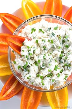 Learn how to make crab dip! This EASY cold crab dip recipe with cream cheese (crab meat dip) is ready in just 5 minutes! Low Carb Appetizers, Appetizer Dips, Appetizers For Party, Appetizer Recipes, Party Recipes, Snack Recipes, Keto Foods, Keto Snacks, Ketogenic Recipes