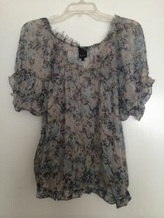 Ella Moss Silk Print Blouse Size Large | eBay #ellamoss #ellamosstop #ellamosssilkblouse #silkprinttop #silkprintblouse #consignment #sizelarge #silk #printfabric #apparel #designer #womenswear #casualapparel