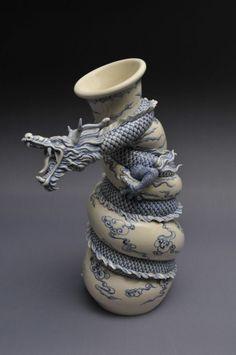 Os passos da criação de um dragão de cerâmica por Johnson Tsang Cheung