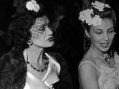 Coco Chanel and Aimée de Heeren in 1939 Mademoiselle Coco Chanel, Chanel Vintage, Chanel Flats, Paris, Mode Vintage, Black And White Pictures, World Of Fashion, Style Icons, Lady