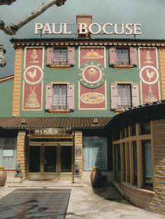 Restaurant Paul Bocuse Bocuse's main restaurant is the luxury restaurant l'Auberge du Pont de Collonges, near Lyon