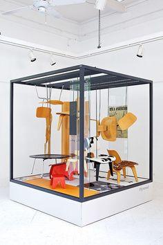 Vinçon y Vitra presentan una exposición sobre el mobiliario de los Eames | Interiores Minimalistas