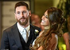 Lionel Messi's marries his long time sweetheart and partner Antonella Roccuzzo in an extravagant star-studded wedding. The wedding was attended by football royalty and manned by 450 police officers. Antonella Roccuzzo, Lionel Messi, Messi And His Wife, Messi Y Antonella, Football Wags, Superstar, News In Nigeria, Star Wars, Couple