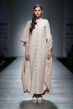 pinnacle-by-shruti-sancheti-at-amazon-india-fashion-week-2017-5