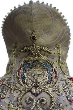 Game of Thrones Costume by Michele Clapton - Embroidery by Michele Carragher