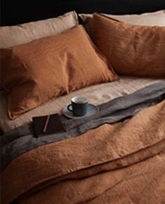 Our linen celebrates the beauty in the imperfections of life, the informality of the natural fibre, rather like the creases of human skin that become more characteristic over time Linen Bedroom, Cozy Bedroom, Dream Bedroom, Bed Linen, Kensington House, Uni Room, Cute Bedroom Ideas, Queen Bedding Sets, Bed Styling
