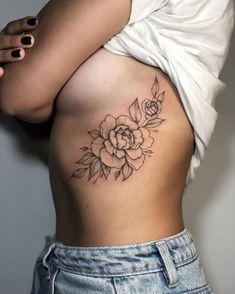 ideas for tattoo frauen rippen klein tatoo feminina - tattoo feminina delicada - tattoo Rose Tattoos, Sexy Tattoos, Flower Tattoos, Sleeve Tattoos, Flower Tattoo On Ribs, Tatoos, Faith Tattoos, Music Tattoos, Small Tattoo Designs