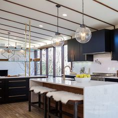 Been scouring Pinterest for some mid-century modern inspiration for a project and came across this beauty from @joannagaines on Fixer Upper.  More mid century images on www.beckiowens.com.  Have a great day.