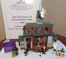 2004 hallmark the mansion on ravenwood lane halloween display with ornaments - Hallmark Halloween Decorations