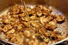 Χοιρινές μπριζόλες με υπέροχη σάλτσα Shrimp, Meals, Chicken, Cooking, Recipes, Food, Kitchen, Meal, Essen