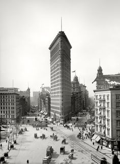 "New York circa 1903. ""The Flatiron Building."""