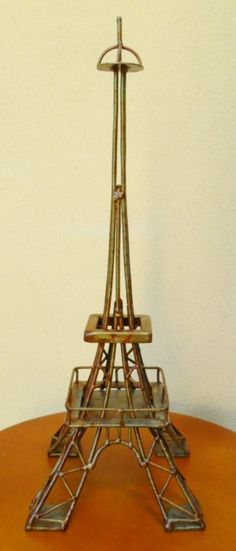 Torre Eiffel: Tienda Deco C                                                                                                                                                                                 Más