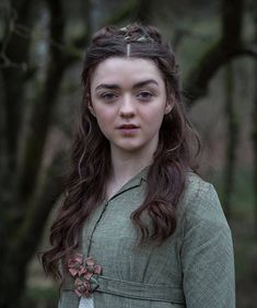 """Arya Stark Game of Thrones Actress """"Maisie Williams"""" Wallpapers HD 2019 - Dailly Point Dessin Game Of Thrones, Arte Game Of Thrones, Game Of Thrones Arya, Game Of Thrones Girl, Game Of Thrones Characters, Rose Leslie, Sansa Stark, Arya Stark Art, Maisie Williams"""