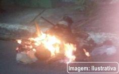 Homem é linchado, decapitado e tem corpo queimado após estuprar a própria mãe