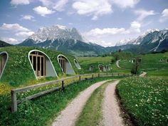 These Cozy Eco Hobbit Holes Take Just 3 Days To Build And Are Simply Beautiful