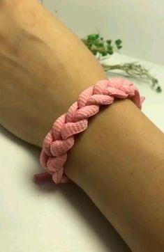 Rope Crafts, Diy Crafts Hacks, Diy Crafts Jewelry, Diy Crafts For Gifts, Bracelet Crafts, Diy Friendship Bracelets Patterns, Diy Bracelets Easy, Handmade Bracelets, Rope Bracelets