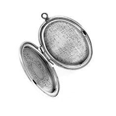 Trinity Brass osaa tehdä upeita korunosia. Esimerkiksi tämä aidolla 99,9% hopealla päällystetty medaljonki on aivan ihastuttava!