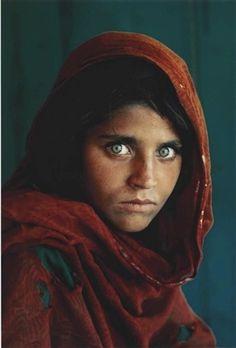Afghan Girl par Steve McCurry, 1984 one of my favourite photos