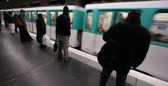 La nuit du 31 décembre, les transports sont gratuits. http://www.metrofrance.com/paris/la-nuit-du-31-decembre-les-transports-sont-gratuits/