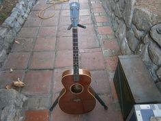 Gibson tenor guitar 1920S THE GIBSON