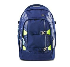 The school backpack literally takes the weight off school kids' shoulders: the ergonomic principle shifts the weight to the more stable waist area. The ergobag ergonomic principle favors optimal load distribution, a principle used by professional hikers for years. The backpack is stabilized by two ergonomic aluminum rails. Our comfortably padded waist strap takes the strain off the back. Available through www.ergokid.com
