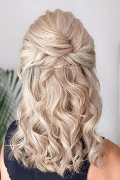 48 Mother Of The Bride Hairstyles ❤ mother of the bride hairstyles on curly bl… 48 Mutter der Braut Frisuren ❤ Mutter der Braut Frisuren auf lockigen blonden Haaren halb hoch halb runter bridal_hairstylist Elegant Wedding Hair, Wedding Hair And Makeup, Wedding Bride, Perfect Wedding, Wedding Hair Mother Of Bride, Rustic Wedding, Mother Of The Bride Hair Short, Wedding Hairstyles Half Up Half Down, Half Up Half Down Hair