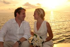 Sunset sail wedding in Key West, photo by http://mecimages.com