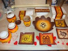 Pasta Piedra, Mandala Painting, Crafts To Make, Decoupage, Lily, Pottery, Fabric, Paper Mache, Wooden Crafts