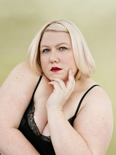 Lindy West on life after the Internet. Lindy West, Plus Size Photography, Samantha Jones, Thick Body, Cool Kids, Love Her, Fashion Beauty, Profile, Poses