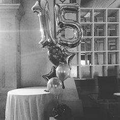 La imagen puede contener: tabla e interior Birthday Wishes, Birthday Cards, Eiffel Tower At Night, Happy Brithday, Love Quotes Wallpaper, Ideas Para Fiestas, Tumblr Photography, Birthday Photos, Diy And Crafts