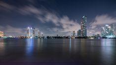 La Fotografia è sapersi isolare per meditare. Anche nel cuore di una metropoli. Bangkok. Thailand. Thailand. #follow4follow #followback #followbackinstantly #followme #ig_captures #ig_daily #igortodisco #ig_worldclub #igortodiscoimaging #igersoftheday #igersworldwide #igphoto #nikond850 #nikon #landscape #landscape_captures #landscapes #skyline #bynight #splendid_shotz #thailand #Bangkok #cityline #wonderful_places #worldbestgram #worldtravelpics #metropoli