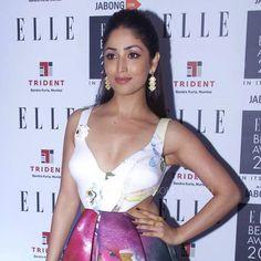 [Award Show Style] Bollywood actress Yami Gautam spotted at the 2015 ELLE Beauty Awards in ISHARYA Pyramid Mirror earrings.