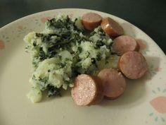 Dutch comfort food: Boerenkool met worst (Mashed potatoes with kale and kielbasa)