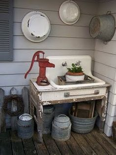 Potting bench I wish I could find and old sink and a well pump! Love the look Potting bench I wish I Vintage Sink, Vintage Kitchen, Vintage Laundry, Vintage Farmhouse, Old Sink, Outdoor Sinks, Outdoor Projects, Outdoor Decor, Outdoor Living