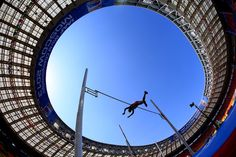 Gunnar Nixon of the United States competes in the Men's Decathlon Pole Vault during Day Two of the IAAF World Athletics Championships Moscow 2013 at Luzhniki Stadium on August 2013 in Moscow, Russia. Worlds Of Fun, Around The Worlds, World Athletics, Sports Scores, Cricket Score, Pole Vault, Sporting Live, Decathlon, Fox Sports